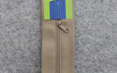 June Tailor – Zippity-Do Done! Zipper with Casing – 18″ Camel