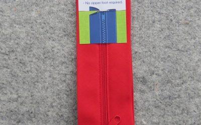 June Tailor – Zippity-Do Done! Zipper with Casing – 18″ Red